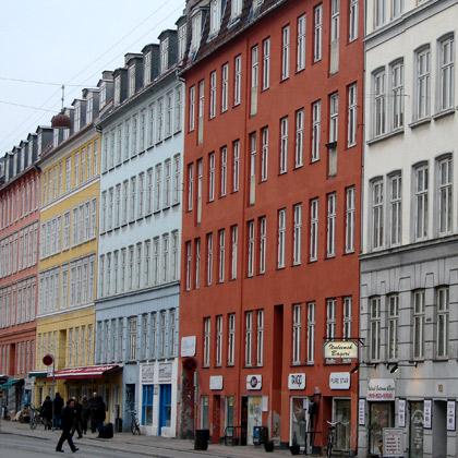 Vackra färger på husen i Köpenhamn
