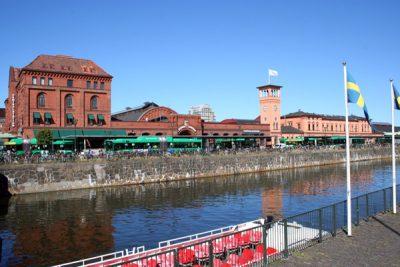 Malmö Centralstation, busstation och kanaltur med båt