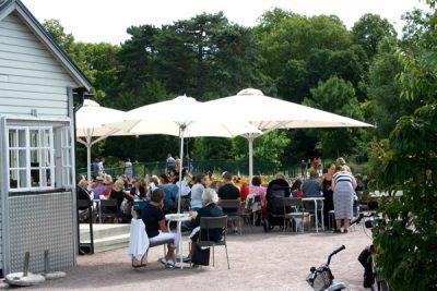 Slottsträdgårdens servering nära Malmö Museum