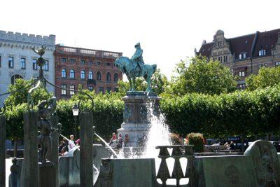 Stortorget i Malmö med statyer