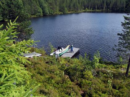 Brygga och sjö