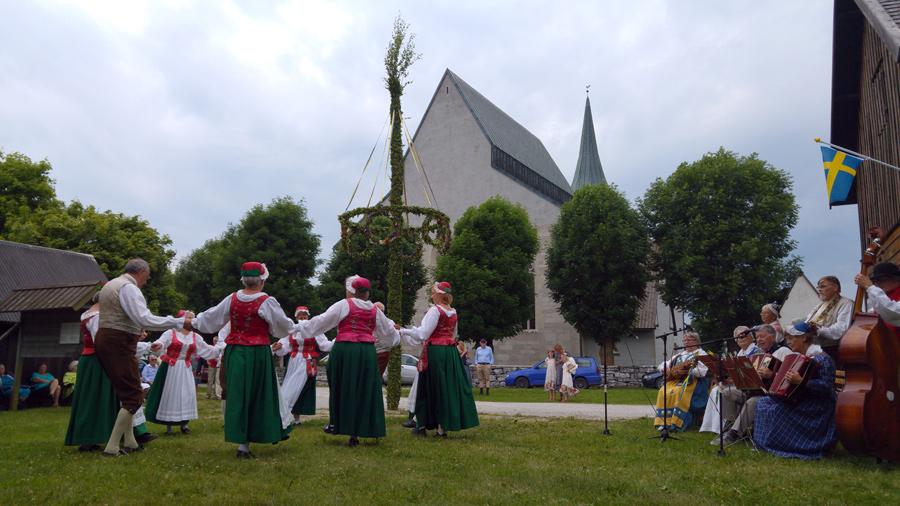 Traditionellt midsommarfirande i Sverige