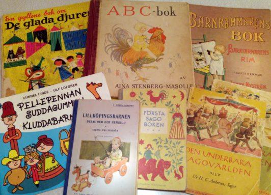 Gamla barnböcker och abc-bok